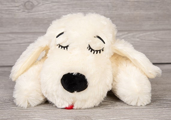 Close up on face of Smart Pet Love Snuggle Puppy the best plush toy for puppies