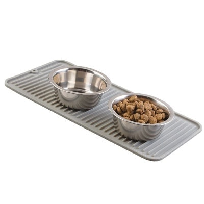 Dog mat to catch splashed water and spilled food