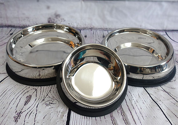 Stainless steel Enhanced Pet Bowl in small, medium and large for flat-faced dogs